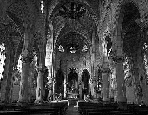 Deuil,…l'Eglise Sainte Eugénie de Biarritz -- Trauer,…Die Kirche « Sainte Eugénie » von Biarritz