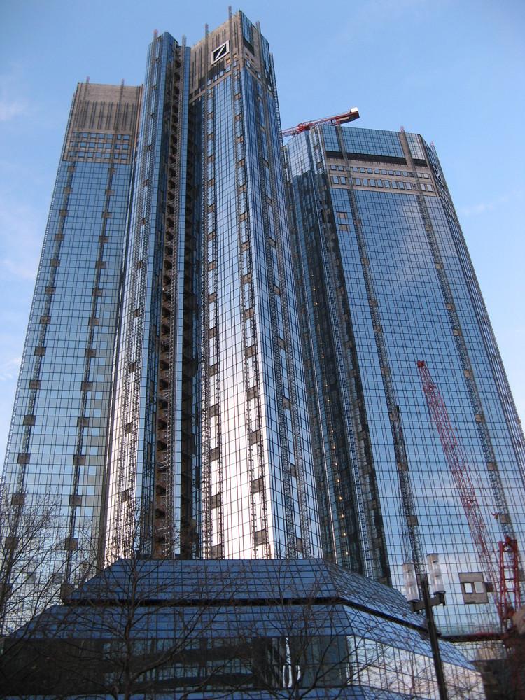Deutsche Bank mit Makeln