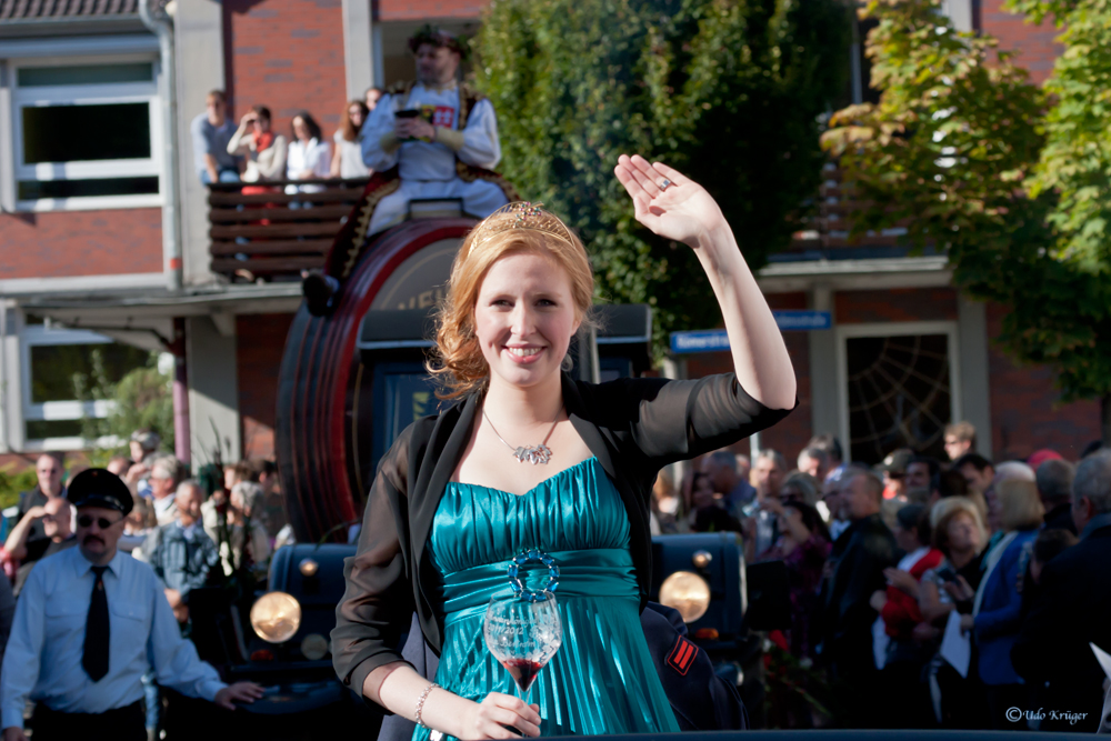 Deutsche Weinkönigin 2012 Julia Bertram  Pic 2
