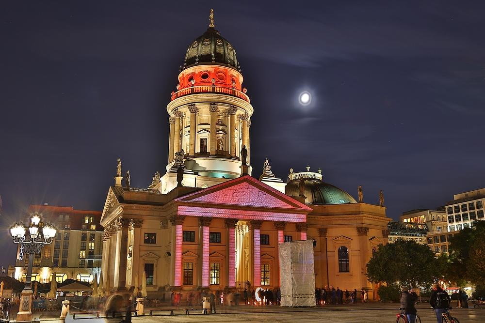 Deutscher Dom im Nachtgewand
