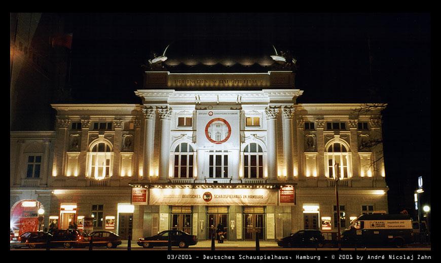 Deutsches Schauspielhaus um Mitternacht