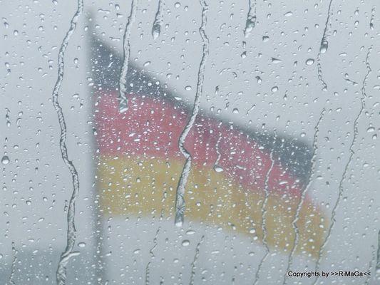 """""""Deutschland"""" im Regen"""