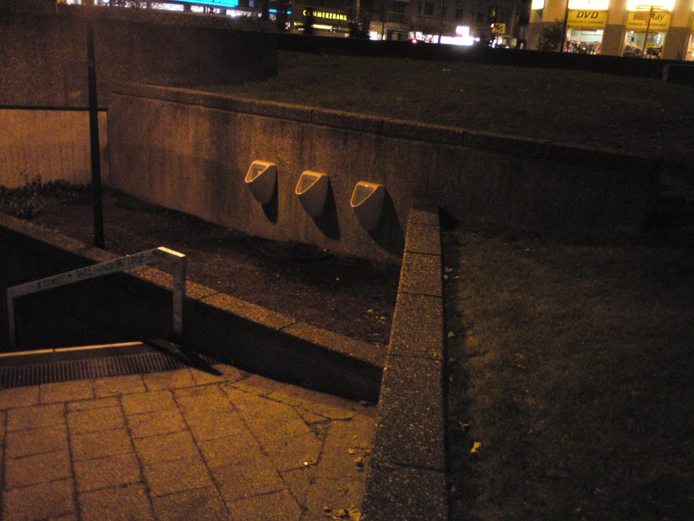 deutschland.köln.ebertplatz.aussenwc.öffentlich