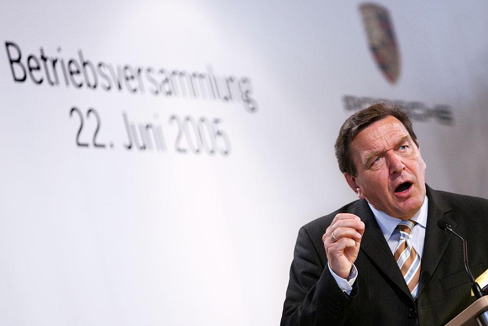 Deutschlandlied 32 / Gerhard kämpft