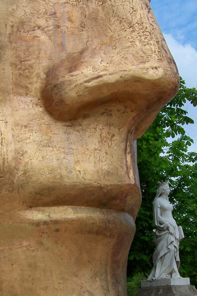 Deux statues ...