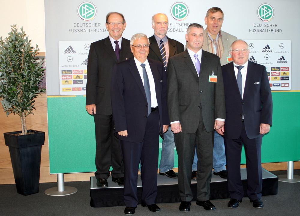 DFB-Club 100 Ehrenamtliche Teilnehmer aus Schleswig-Holstein