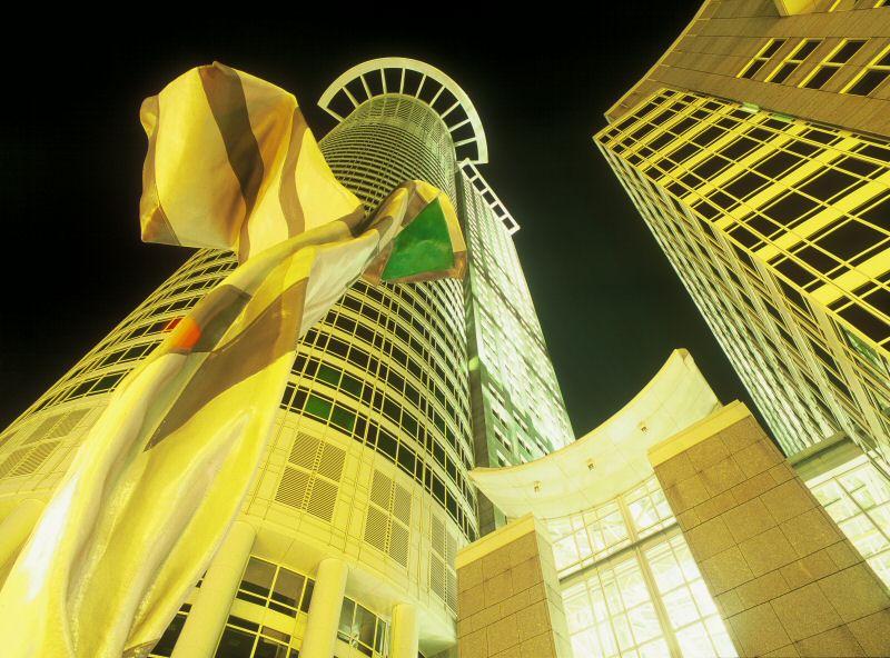 DG Bank Tower Night von O. Schulz