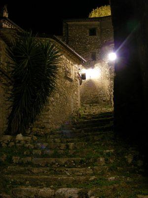 Di notte, vagando per il borgo....
