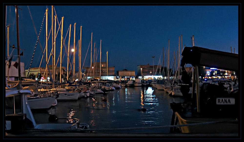 Di notte....al porto.