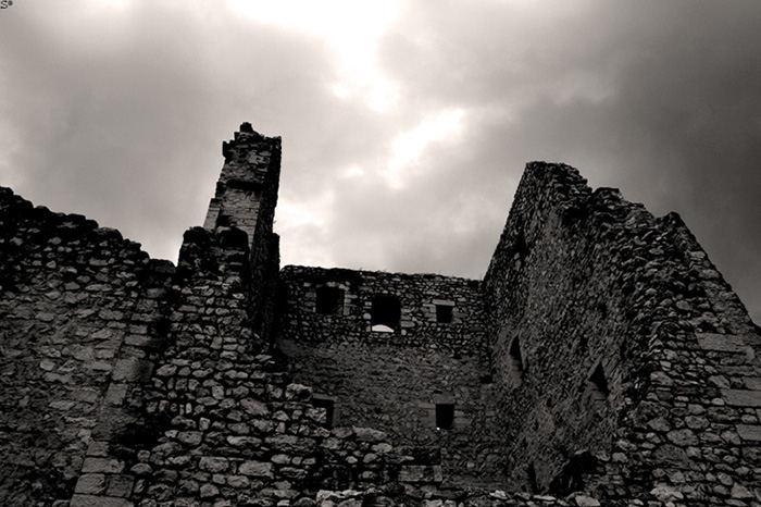 Di Rovine e Antichi Castelli