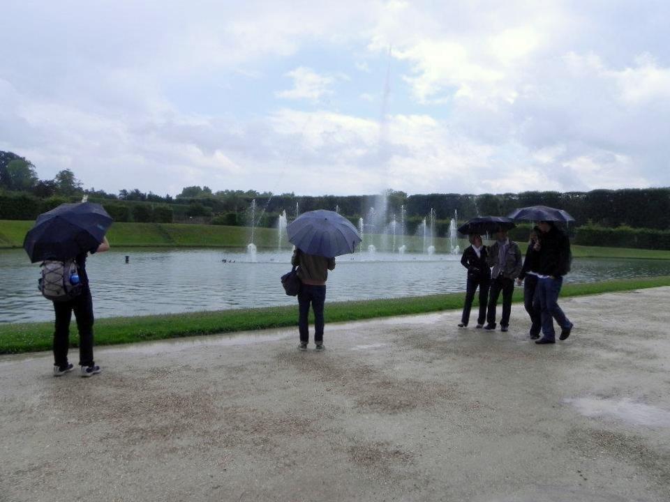 dia de paraguas,en Versailles