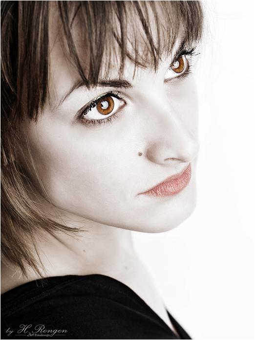 diamont eyes