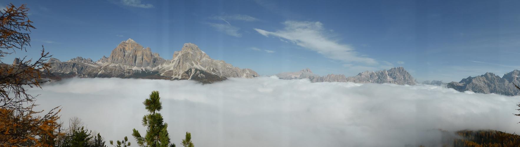 Dichter Nebel im Tal