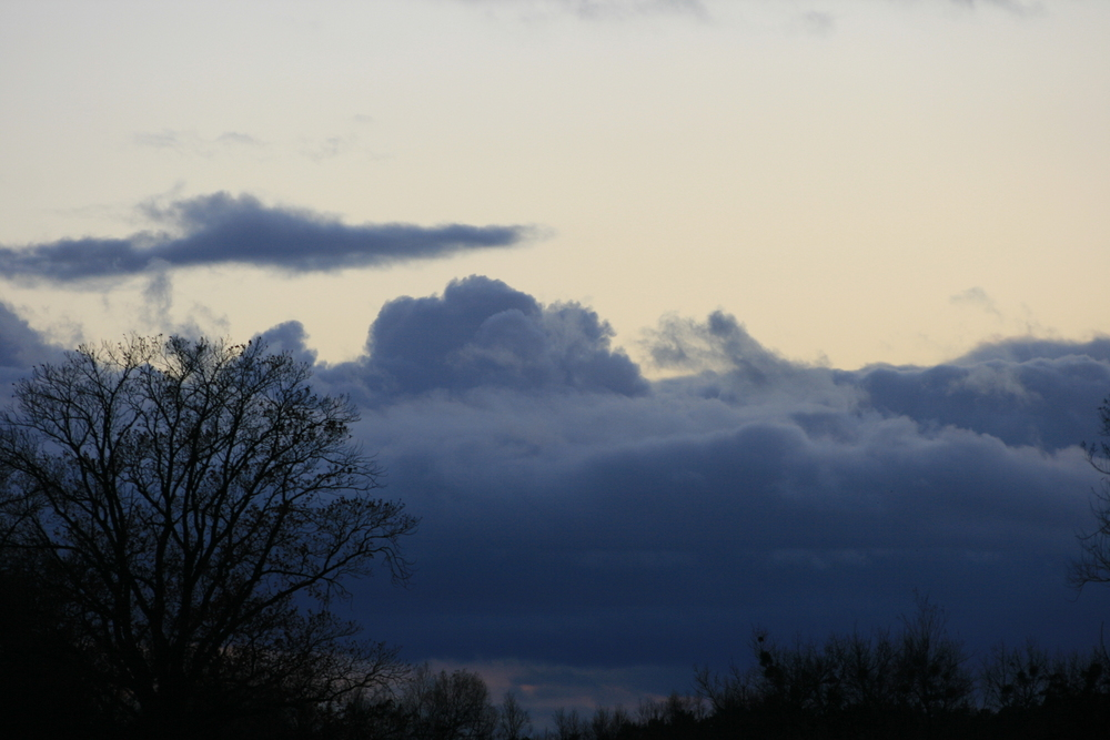 Dickes Wolken-Band