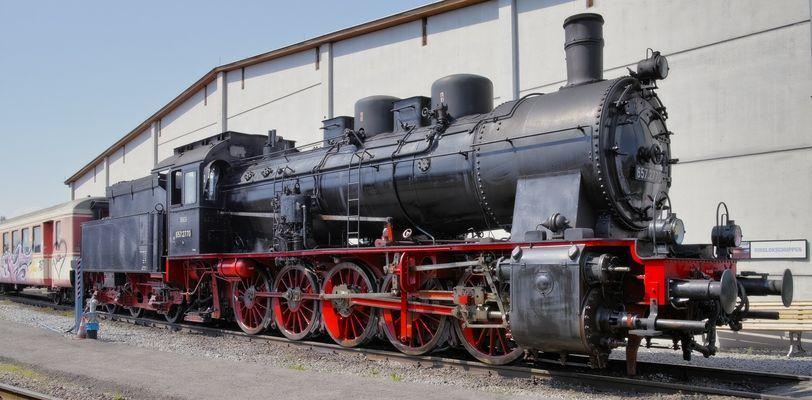 Die 657.2770 im Lokpark Ampflwang