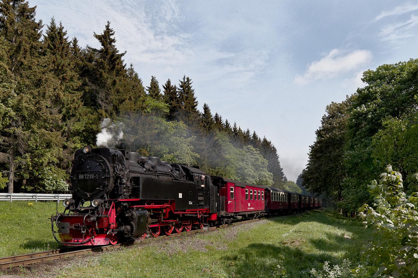 Die 99 7238-1 auf dem Weg zum Brocken
