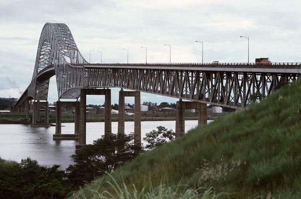 die alte Brücke über den Panama-Kanal 1975