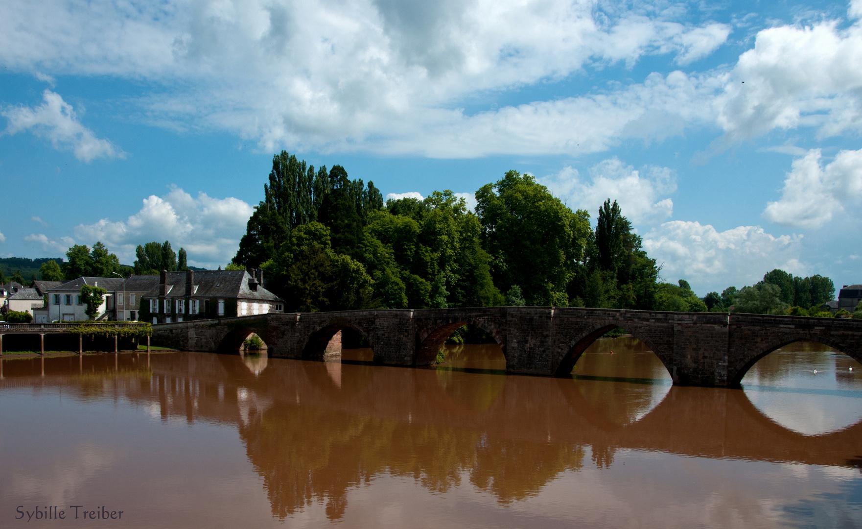 Die alte Brücke von Terrasson