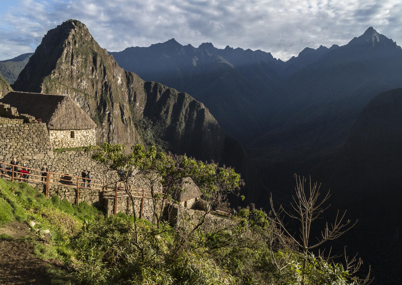 Die alte Inkastadt Machu Picchu mit dem Berg Wayna Picchu im Hintergrund
