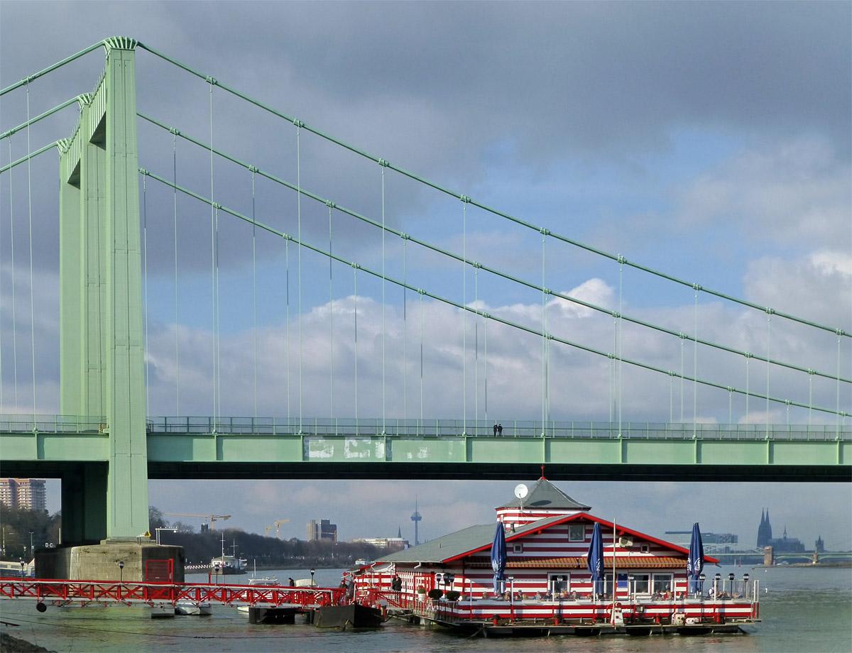 Die alte Liebe und die Brücke