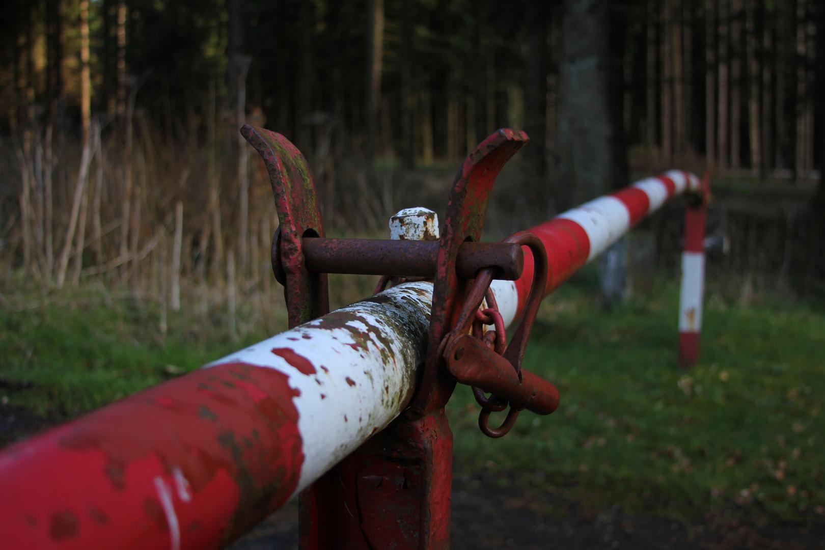 Die alte Schranke Foto & Bild | landschaft, wege und pfade, natur ...