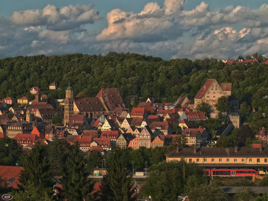 Die Altstadt und der rote Zug...