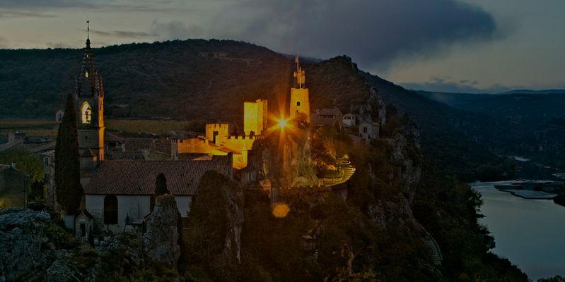 Die Ardèche am Abend