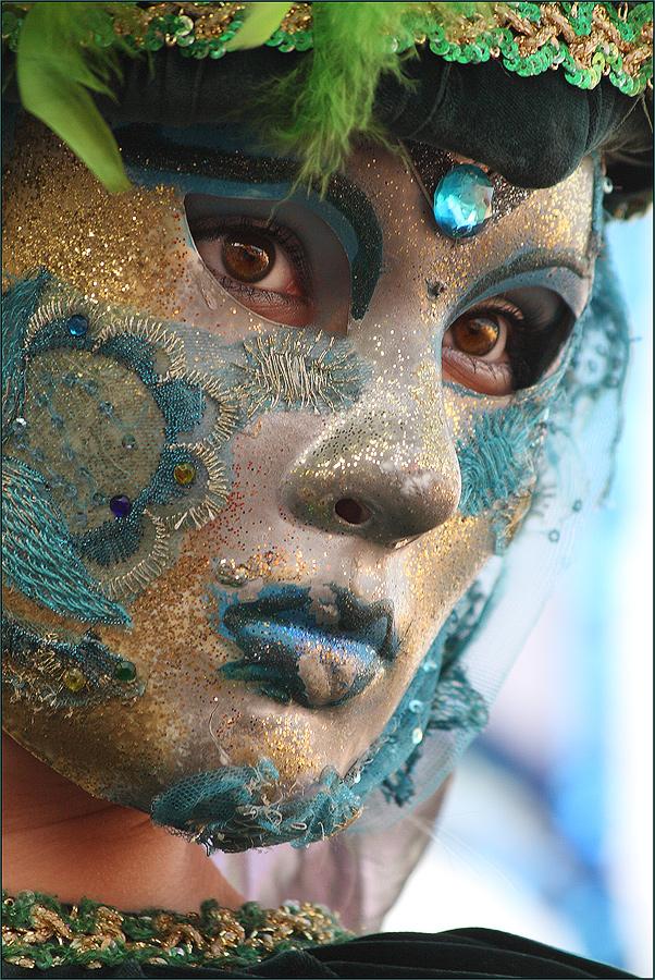 Die Augen hinter der Maske