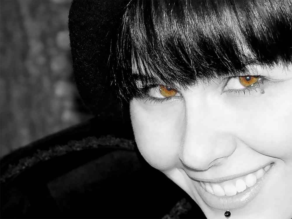Die Augen ihr Blick und ihr Mund