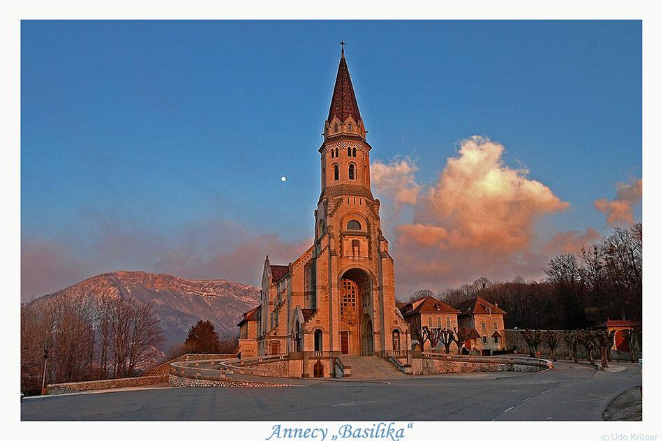 Die Basilika zur blauen Stunde