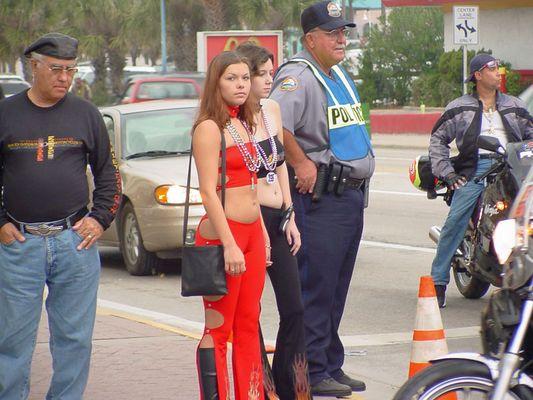 Die Besucher der Bike Week