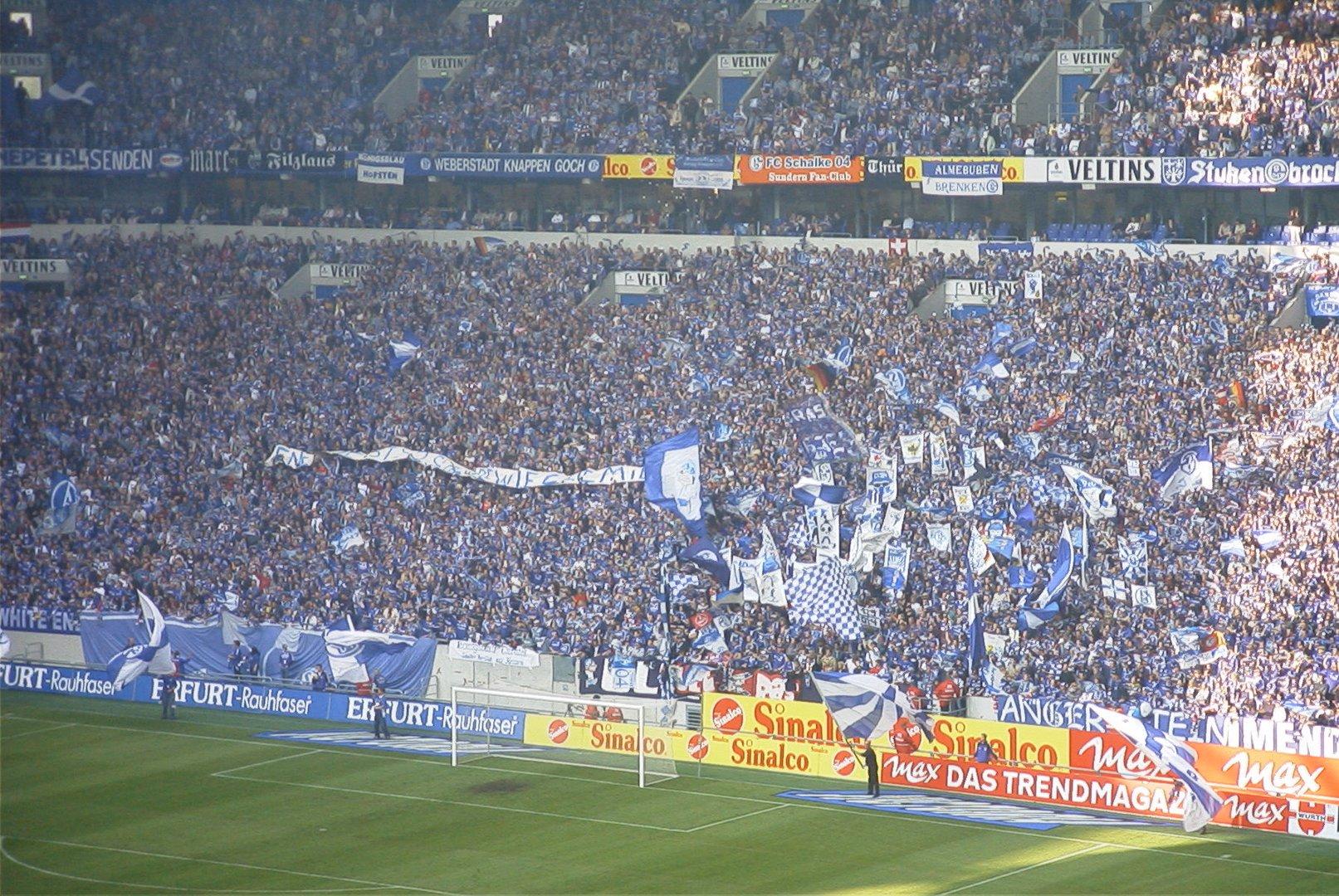 Die Blau-weiße Wand