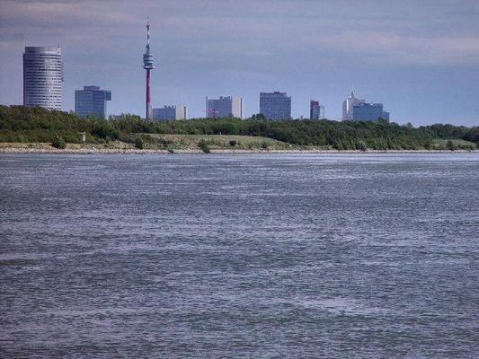 """die """"blaue"""" Donau vor Wien"""