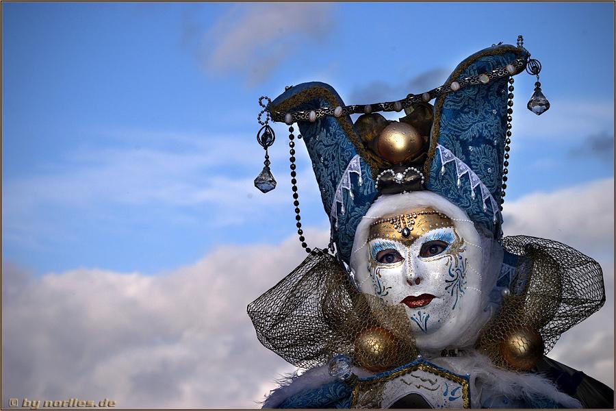 Die blaue Maske