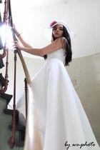 Die Braut auf der Treppe