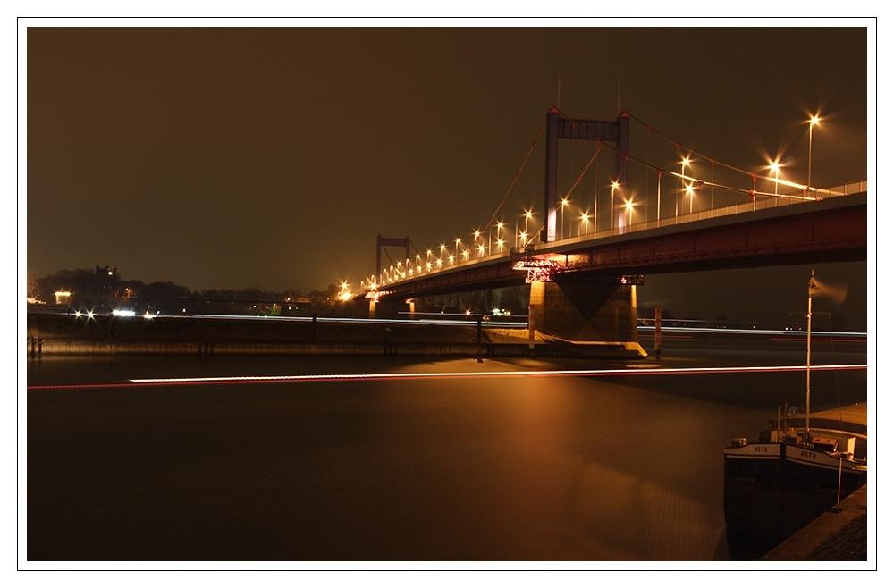 ...die Brücke