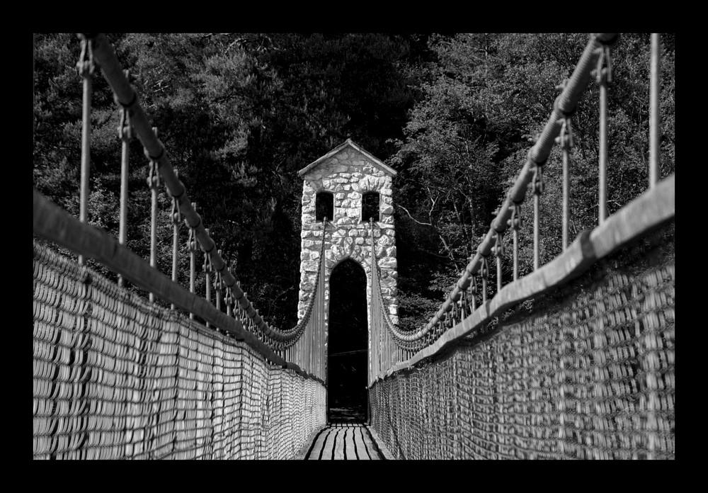 """""""Die Brücke am Fluss"""""""