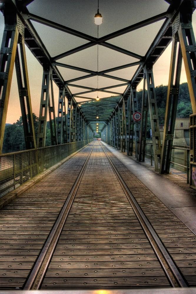 Die Brücke am Wehr