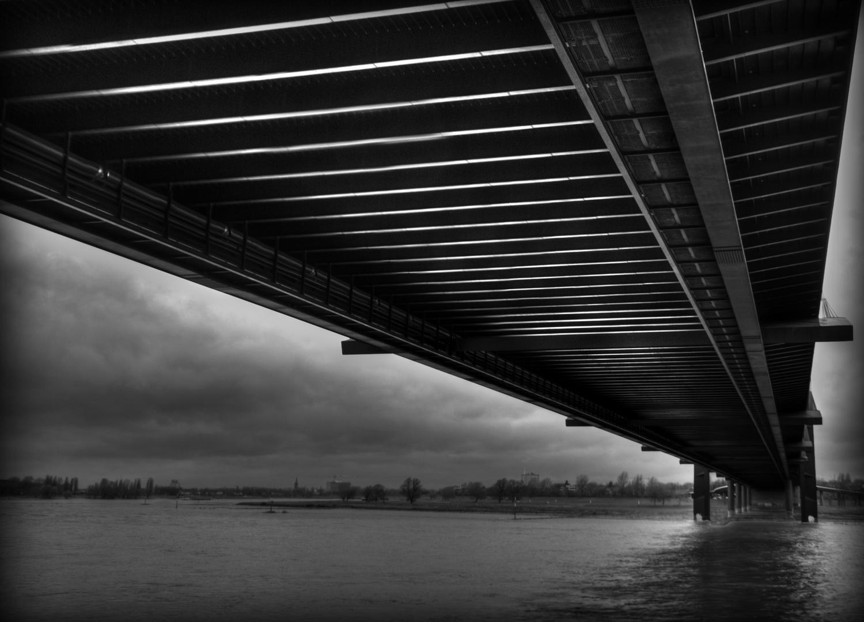 Die Brücke.