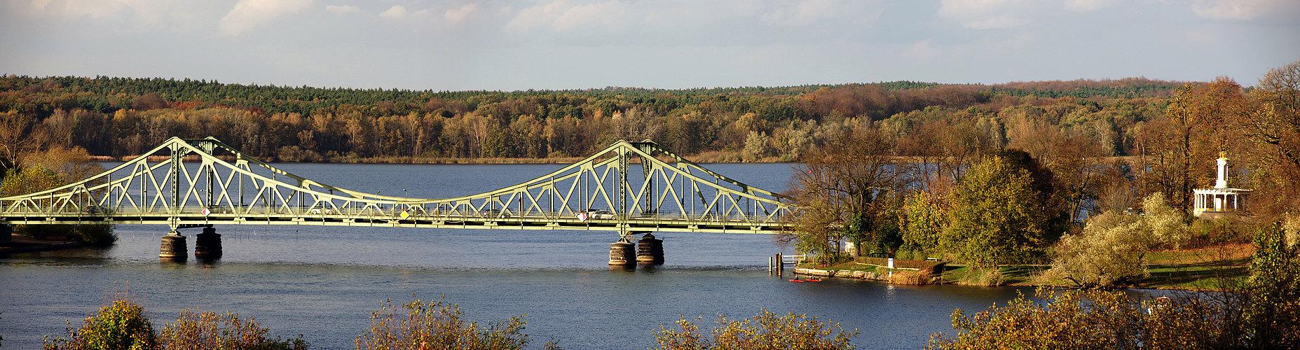 """Die """"Brücke der Einheit"""" als Symbol der Teilung ....."""