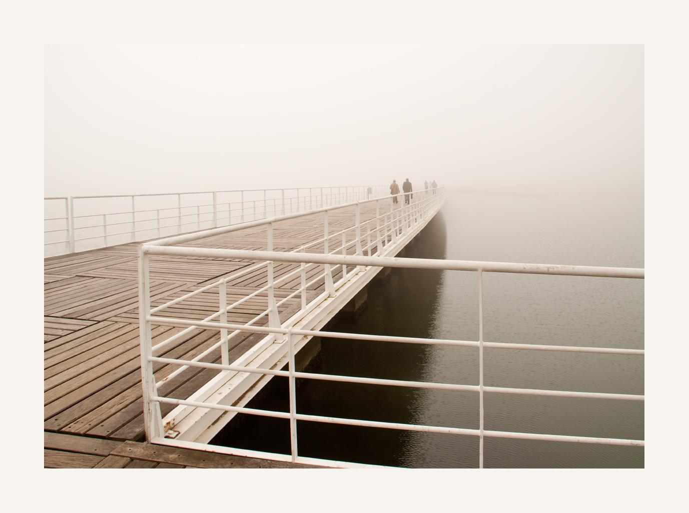 die Brücke im Nebel