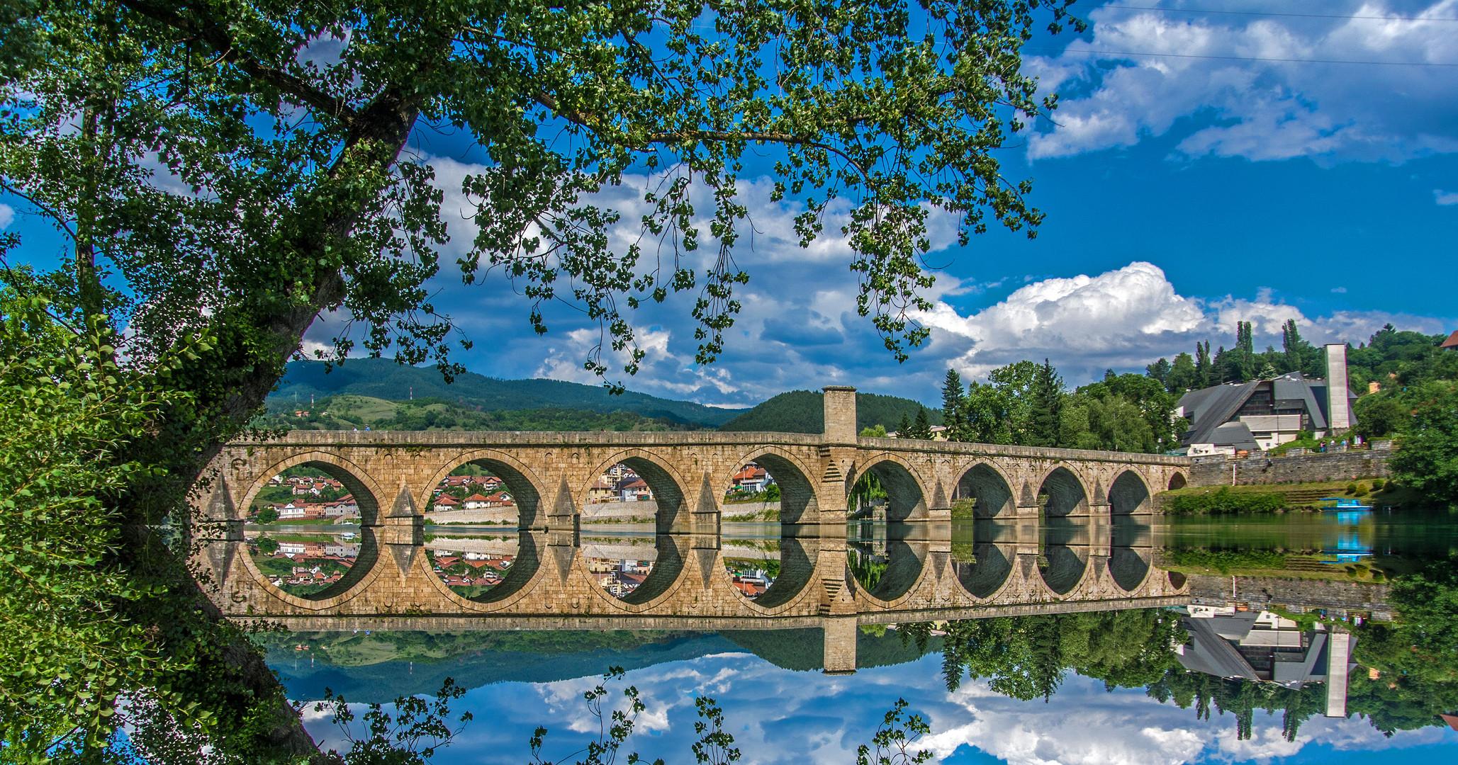 Die Brücke über die Drina - bekannt aus dem Roman von Ivo Andric