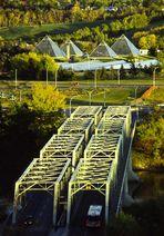 Die Brücke zu den Pyramiden