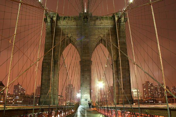 Die Brückenpfeiler der Brooklyn Bridge