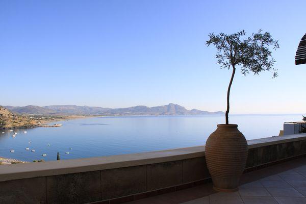 Die Bucht von Lindos vom Hotel Lindos Mare