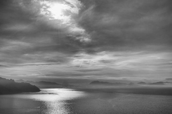 Die Bucht von Salerno im Morgenlicht