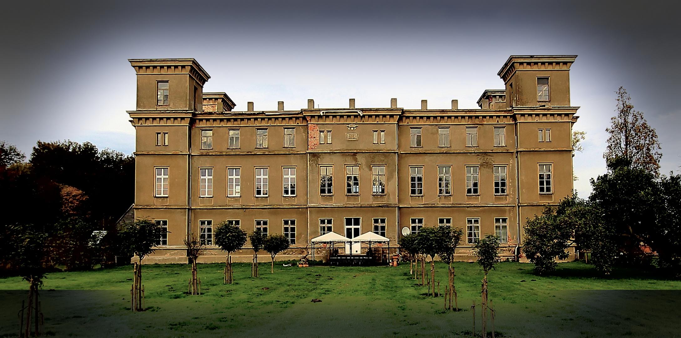 Die Bülower Burg...(Ansicht der Rückseite)