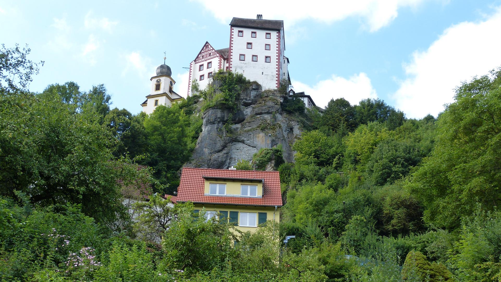 die Burg 10
