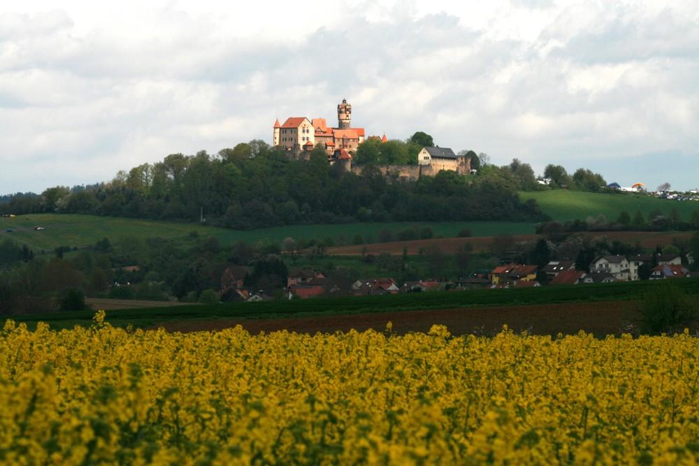 Die Burg hinter dem Rappsfeld