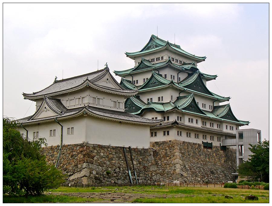 Die Burg in Nagoya - das Kleine und das Große Donjon